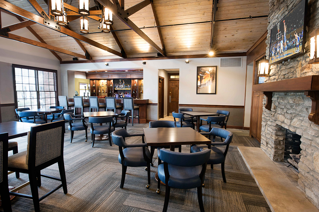16 19th Hole bar and grill 700 PX